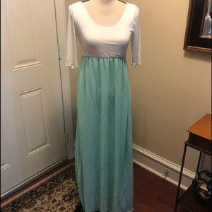 Pink Blush Maternity Maxi Dress in Ivory/Green M